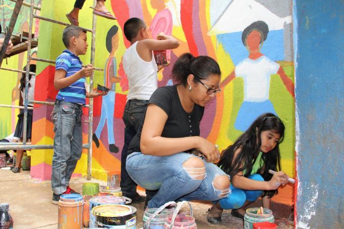 Niñas y niños pintan para promover sus derechos | Nicaragua | Save ...
