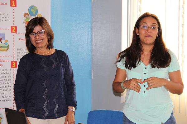 Argentina Martinez, Directora de Paìs de Save the Children, durante la inauguración del taller en Managua.